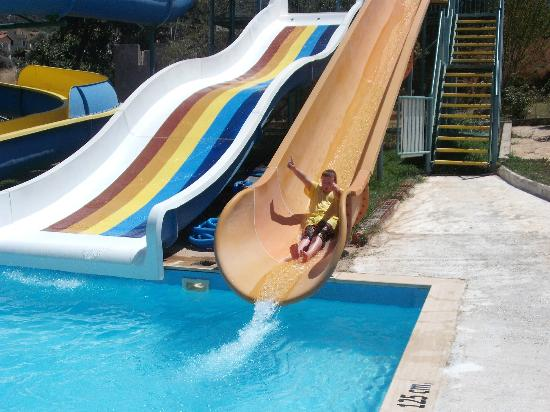 Gunes Hotel & Apartments: The free slides