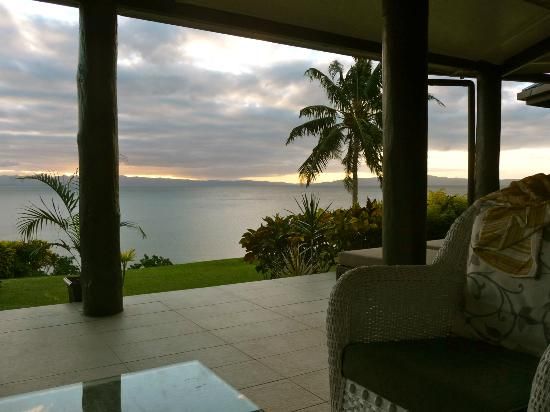 Taveuni Island Resort & Spa: Veranda and view from family bure