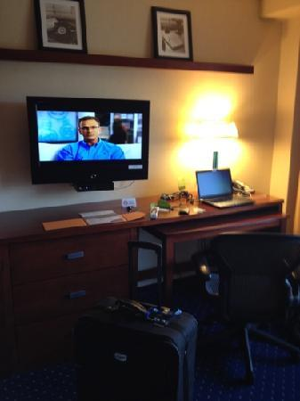 Courtyard by Marriott Los Angeles Westside: free wifi!!