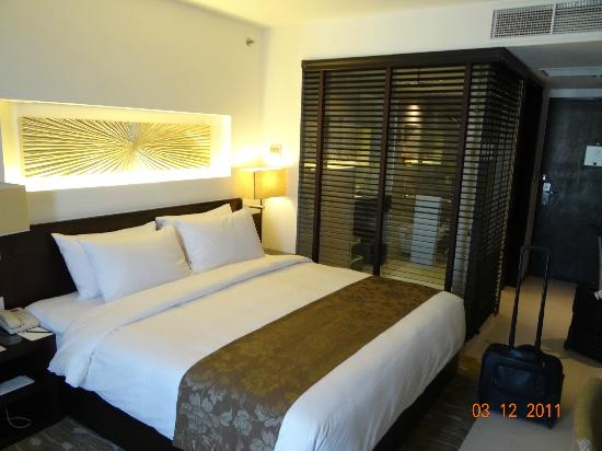 Traders Hotel, Male, Maldives: Standard Room with Bath