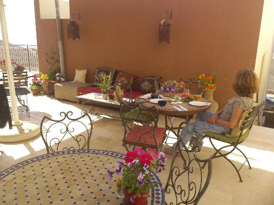 Yehelim Boutique Hotel: Patio with view to Dead Sea