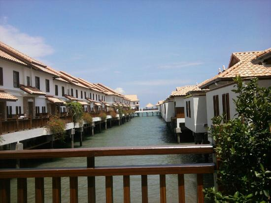 Grand Lexis Port Dickson: View of villas side by side