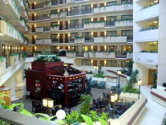 ‪Embassy Suites Kansas City-Overland Park‬
