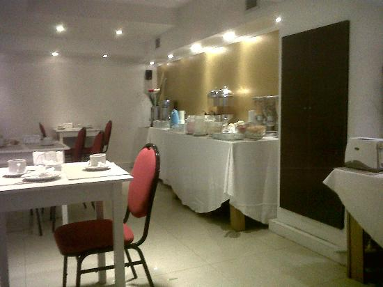 Ker Urquiza Hotel &amp; Suites: Comedor del Hotel - lugar para convenciones