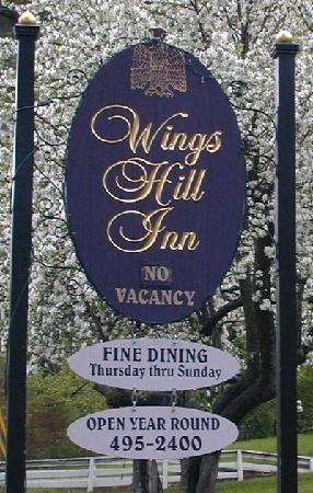 Wings Hill Inn: Sign