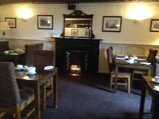 Hylands Burren Hotel: cosy breakfast area