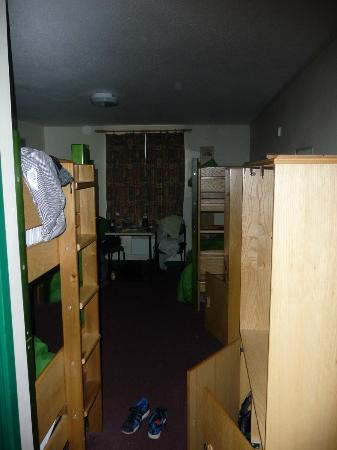 YHA Liverpool: room