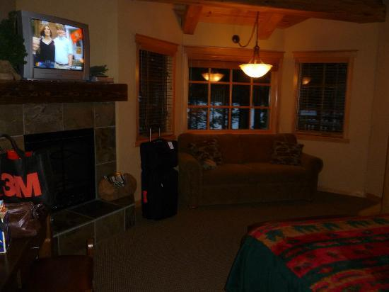 The Lodge at Suttle Lake: View of the room