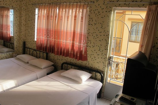 Long Hostel: room at second floor