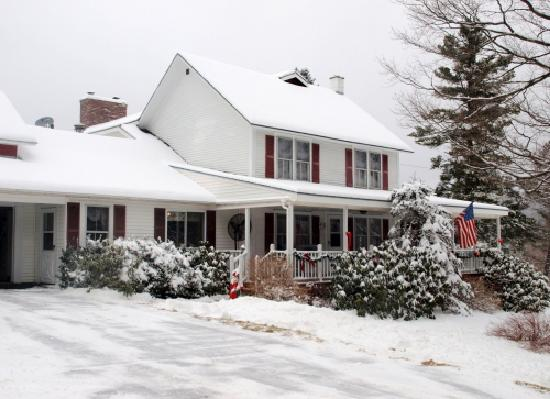 Candlelight Bed and Breakfast: Located in the mountains of Southern Vermont, six miles from Wilmington, south of Mount Snow, in