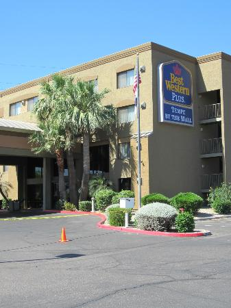 ‪‪BEST WESTERN PLUS Tempe by the Mall‬: Impeccably maintained grounds and great staff!‬