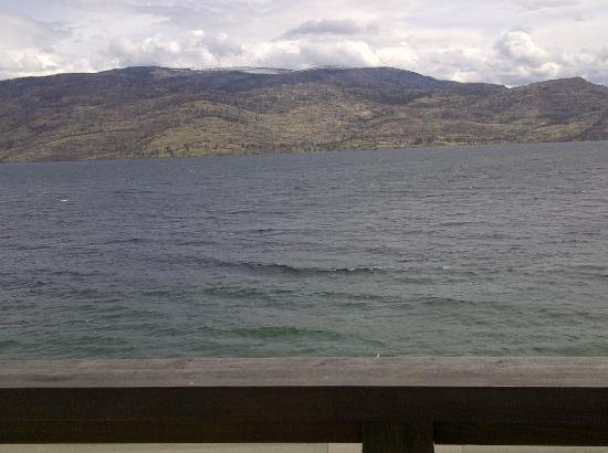 Peachland, Canada: View from the balcony of our room