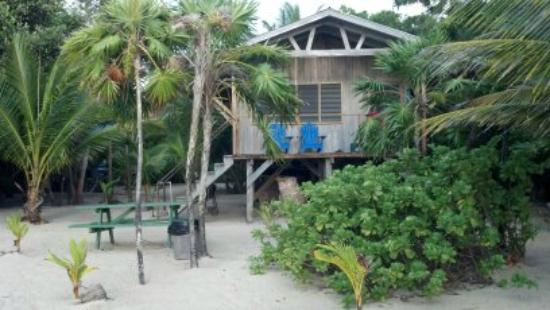 Barnacle Bill's Beach Bungalows: Our bungalow