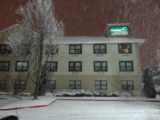 Extended Stay America - Portland - Gresham: Only snow in January