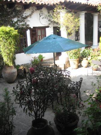 Casa Felipe Flores: The courtyard