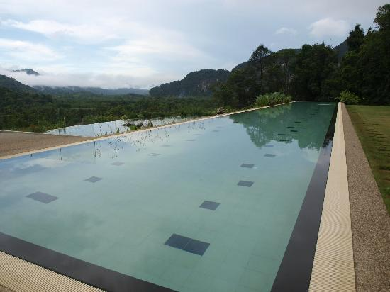 Thanyamundra Organic Resort: The 50 metre swimming pool. Fantastic