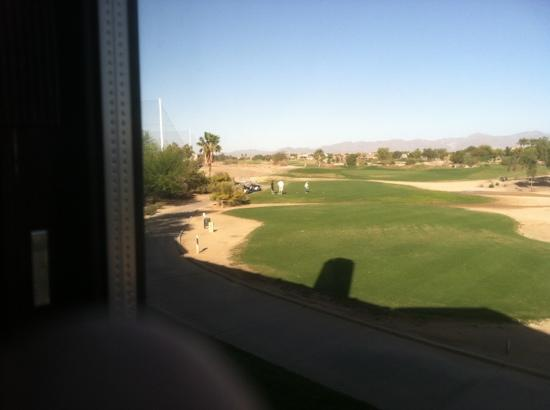 Residence Inn Phoenix Goodyear: View of the golf course