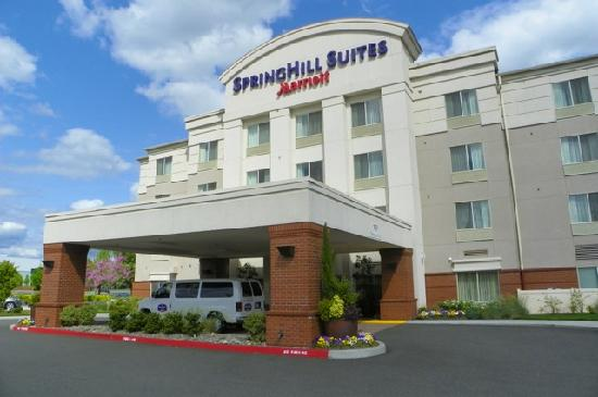 SpringHill Suites Vancouver Columbia Tech Center: main entrance