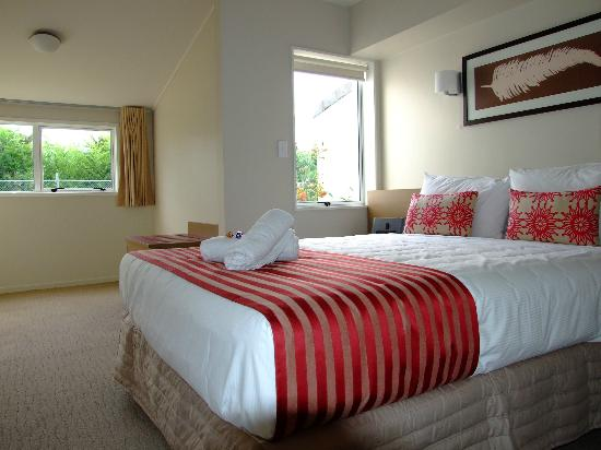 Mercure  Rotorua: Deluxe Suite 1 Queen, with separate Lounge