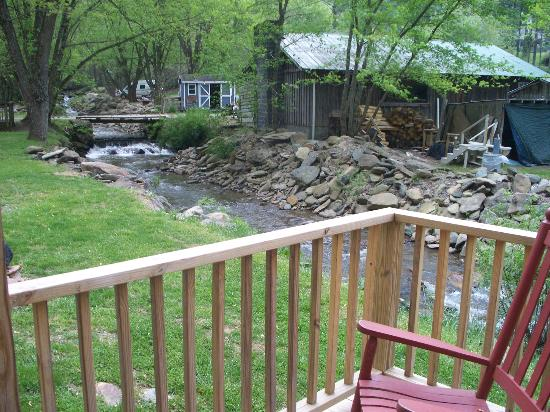 Flintlock Family Campground: view of the creek from our cabin
