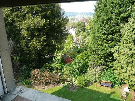 Bloomfield House: view form our room onto the garden