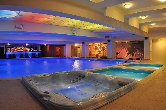 indoor swimming pool jacuzzi picture of north star. Black Bedroom Furniture Sets. Home Design Ideas