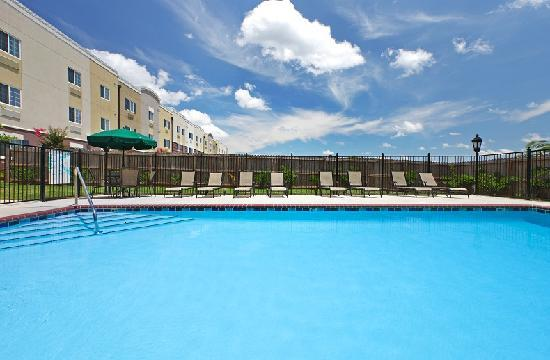 Candlewood Suites Hot Springs: Pool