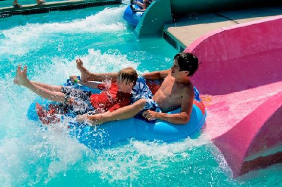 Wildwood, NJ: 9 Water Slides!