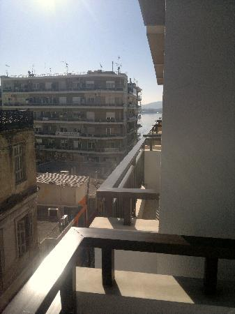 Philippos Hotel: View to the Port/Sea