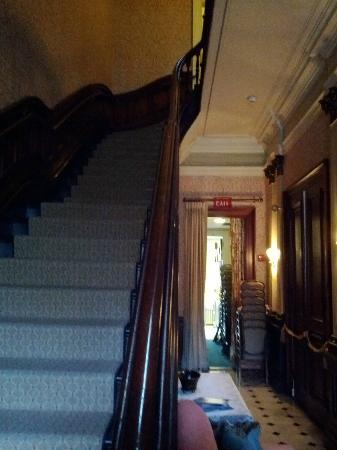 The College Club of Boston: Corridor