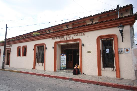 Mansion del Valle