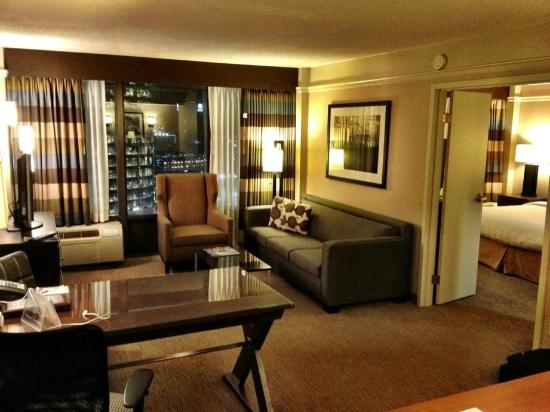 Crowne Plaza Hotel Kansas City Downtown: Awesome room and view at Crowne Plaza KC