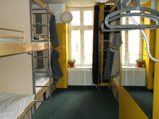 St. Christopher's Berlin Hostel: Chambre dortoir mixte 6 personnes
