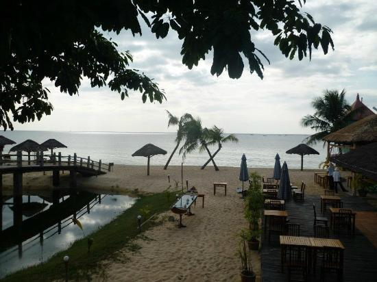 Long Beach Resort Phu Quoc: Beach bar/restaurant