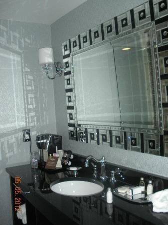 The Siena Hotel: Bathroom