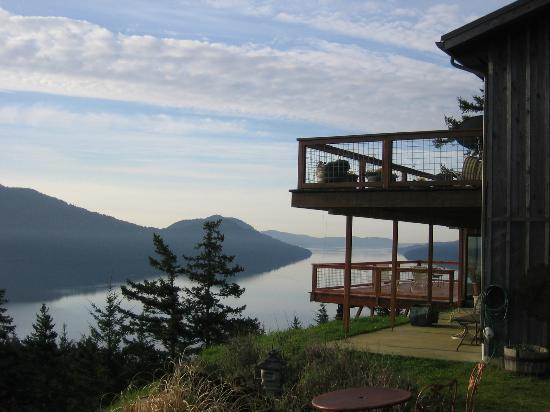 Double Mountain Bed and Breakfast: looking south over Eastsound