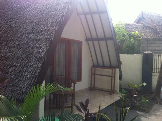 Ozzy Cottages and Bungalows: our room