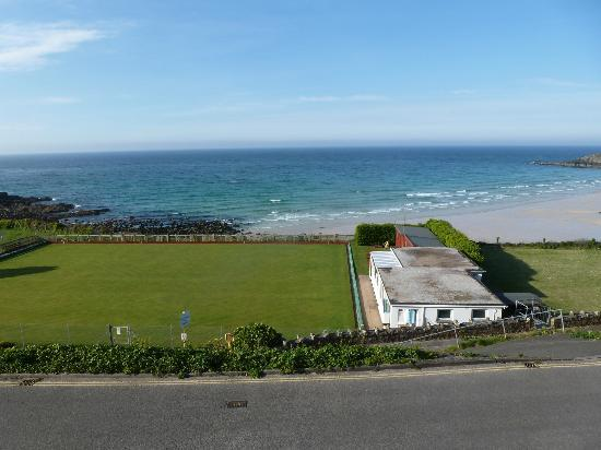 Crest o Wave Bed and Breakfast: View from the single room over Porthmeor Beech