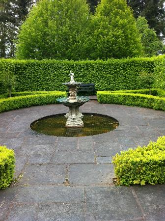 Maryborough Hotel & Spa: fountain