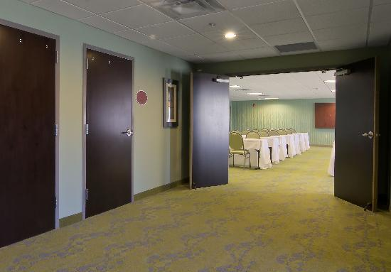 Comfort Suites: Pre-Function Meeting Area