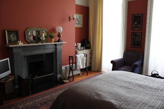 No. 15 Princes Park Mansions: Bedroom