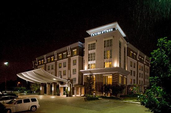 Photo of DoubleTree by Hilton Hotel Baton Rouge
