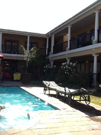 Protea Hotel Franschhoek: swimming pool