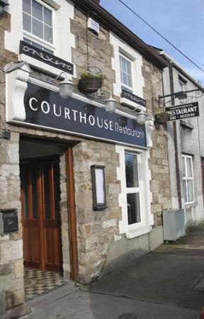 Carrickmacross, Ireland: Relaxed rustic restaurant. Carefully prepared dishes. Excellent midweek value