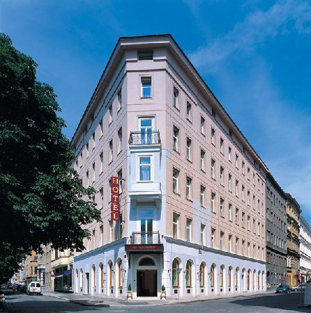 Am Augarten Отель