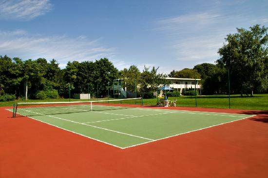 East Hampton House: Tennis Courts