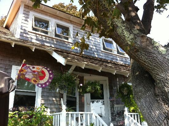 Kathleen's Kottage on Martha's Vineyard : So Quaint!