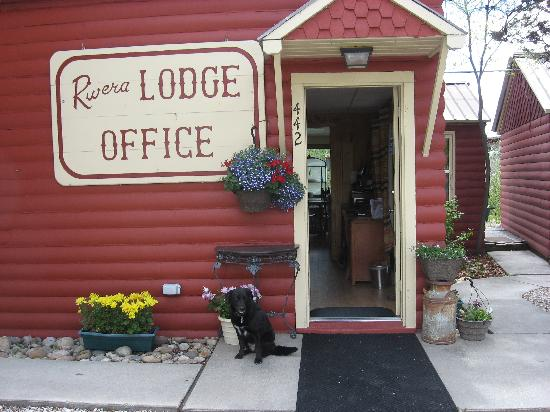 Rivera Lodge