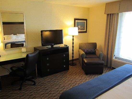 Holiday Inn Express Baltimore - BWI Airport West: Extended King 1