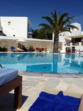 Poseidon Hotel - Suites : the pool area